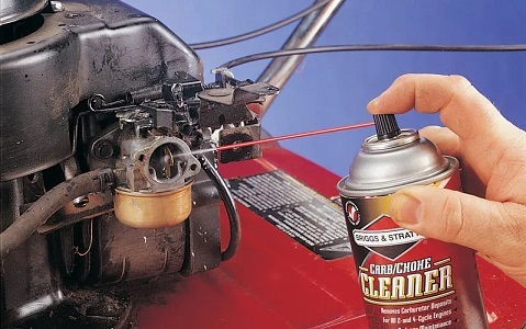 Removing a carburettor for cleaning