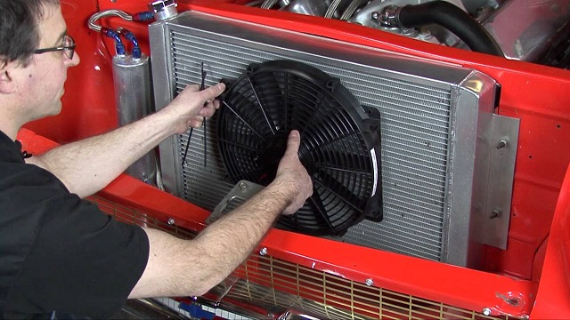 How to Fitting an electric fan to a car