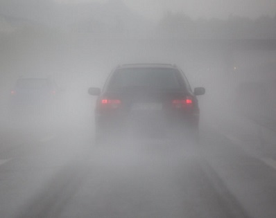 Driving in Fog and How to Clear Fog from Windshield